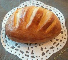 C'est ma fournée ! : Petits pains au lait très moelleux Baguette, Galette Frangipane, Blog Patisserie, Cooking Bread, Cooking Chef, Croissants, Bread N Butter, Bread Recipes, Biscuits