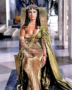 Elizabeth Taylor Cleopatra, Ricky Nelson, Joan Collins, Hollywood Actresses, Old Hollywood, Most Beautiful Women, Beautiful People, Divas, Marie Osmond