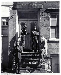 The Velvet Underground in 1965 - John Cale, Angus MacLise, Sterling Morrison and Lou Reed. New York City The Velvet Underground, Maureen Tucker, Andy Warhol Artwork, Acid Rock, New York, Thing 1, Progressive Rock, Janis Joplin, Silver Age