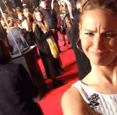 nice selfie Jennifer. Derp Jennifer Lawrence at the World Premiere of Mockingjay in London (Nov.10)