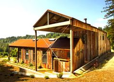 This unusual layered farmhouse cottage style is weathered and wonderful – in fact, that's its charm! This barn house designed by San Francisco-based CCS Architecture is actually two buildings, one. Barn House Design, Modern Barn House, Modern House Design, Style At Home, Style Cottage, Rustic Cottage, Cottage Ideas, Modern Farmhouse Exterior, Rustic Exterior