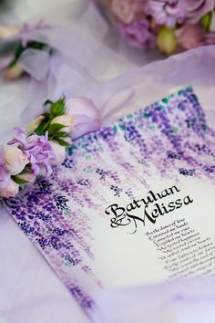 Purple wedding invitation design // Photography by Craven Images #purple #wedding #invitations