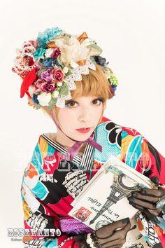KOKOHIMEギャラリー | 京都でレトロモダンな着物レンタル Harajuku Fashion, Japan Fashion, Geisha, Kimono Dress, Kimono Style, Modern Kimono, Japanese Hairstyle, Japanese Flowers, Dress Hairstyles