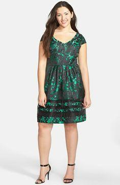 Taylor Dresses Brocade Fit