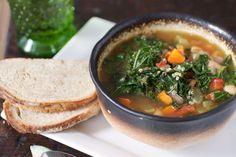 kale white bean and quinoa soup