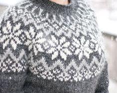 Snjóflyksa - pattern for Icelandic lopapeysa sweater / lopapeysa wool cardigan snowflake geometrical symmetrical circular yoke raglan Fair Isle Knitting Patterns, Knitting Charts, Knit Patterns, Icelandic Sweaters, Wool Sweaters, Wool Cardigan, Nordic Pullover, Nordic Sweater, Norwegian Knitting