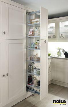 Un armario extraible que aprovecha muy bien espacios reducidos