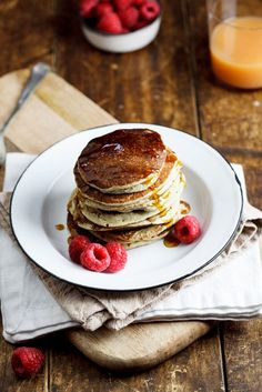 Easy, flourless and sugar free banana oat pancakes are a healthy, filling breakfast served with fresh fruit and can be made in minutes.