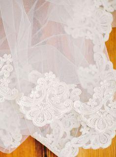 gorgeous lace veil | Amy Arrington #wedding