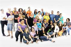 """A Cia. Canto Vivo se apresenta na Sala Glória Rocha, em Jundiaí, no sábado, 30, às 20h. O show, intitulado """"Canto Vivo à Brasileira"""" terá participação especial do grupo Estações Brasileiras. Os ingressos custam R$ 10. A Cia. é um coral de grande destaque na mídia, tendo apresentado musicais como """"Os Miseráveis"""", grande sucesso de...<br /><a class=""""more-link"""" href=""""https://catracalivre.com.br/geral/agenda/barato/cia-canto-vivo-e-estacoes-brasileiras-se-apresentam-em-jundiai/"""">Continue lendo…"""