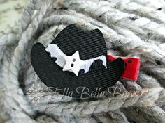 Hey, I found this really awesome Etsy listing at https://www.etsy.com/listing/130448136/cowgirl-hat-ribbon-sculpture-hair-clip