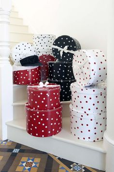 *.¸.*.♥ *.¸.*.Dotted Hat Boxes *.¸.*.♥ *.¸.*.