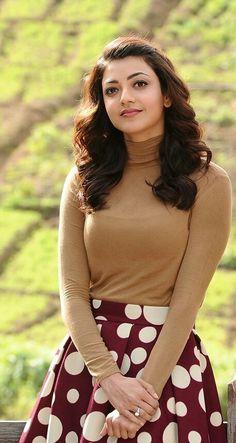 kajal boobalicioushi so very nice 😘😚😘😚😘😚 🍸🍸🍸🍸🍸🍸 Happy New Year Beautiful Girl Indian, Most Beautiful Indian Actress, Beautiful Bollywood Actress, Beautiful Actresses, India Beauty, Asian Beauty, Beauty Bay, Fashion Week, Men's Fashion