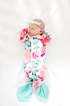 Sewing Patterns Diy The BABY GOWN pattern comes with 2 variations! A basic knit gown with an elastic hem and a mermaid tail gown! This simple pattern will make a state. Baby Kind, My Baby Girl, Smart Socks, Gown Pattern, Baby Gown, Baby Girl Gowns, Kind Mode, Future Baby, Future Daughter