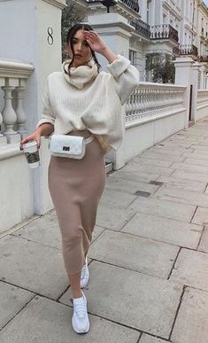 44 Best Mix Casual and Modest Outfits for Winter Fashion - Mode Fur Frauen Nude Outfits, Modest Outfits, Modest Fashion, Trendy Outfits, Long Skirt Outfits, Long Skirt Style, Dress Fashion, Sporty Chic Outfits, Ladies Outfits