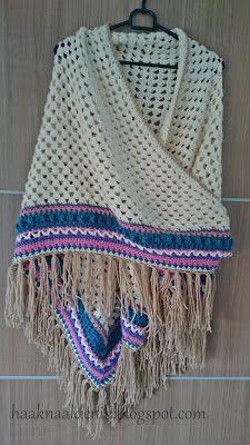 Mooie omslagdoek met prachtige rand. Het gratis patroon is geschreven in het Nederlands en afkomstig van het blog Avontuur met een haaknaald.