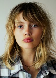 Lighter and longer bangs, but yes! Texture/ Ease Staz Lindes by Aris Jerome Messy Hairstyles, Pretty Hairstyles, Hair Inspo, Hair Inspiration, Locks, Blond, Piercings, No Photoshop, Mi Long