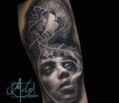 Tattoo Artist Arlo DiCristina at the London Tattoo Convention Arlo Tattoo, Tattoo You, Great Tattoos, Tattoos For Guys, Tattoos For Women, Arlo Dicristina, Smoke Tattoo, State Tattoos, Poseidon Tattoo