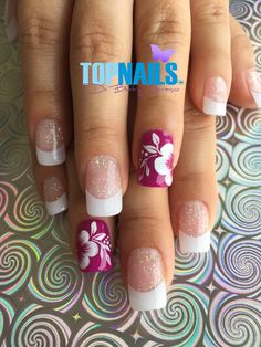Uñas Acrílicas Francesas con Glitter y Decorado Floral (Acrylic Nails French with Glitter and Floral Decorated)  Hazte Fans o Me Gusta  en https://www.facebook.com/topnails.cl   www.topnails.cl ☎94243426, saludos Beatriz