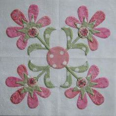 Linda and I are both making a block for a new quilt to benefit breast cancer research. I don& know how many blocks there will be in the qu. Applique Quilt Patterns, Applique Design, Hand Applique, Embroidery Applique, Machine Applique, Flower Applique, Quilting Blogs, Patchwork Quilting, Quilting Projects