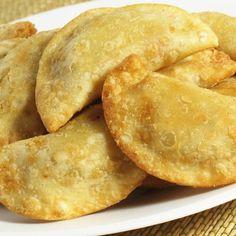 Aprende a preparar empanadas fritas chilenas con esta rica y fácil receta.  Una de las recetas más tradicionales de la gastronomía chilena es, sin duda, la de las...