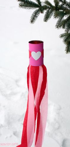 Over 21 simple Valentine's Day crafts for toddlers and kids - adorable and easy to do. Perfect f Valentine's Day Crafts For Kids, Valentine Crafts For Kids, Valentines Diy, Crafts To Do, Holiday Crafts, Arts And Crafts, Valentine Decorations, Kids Diy, Wood Crafts