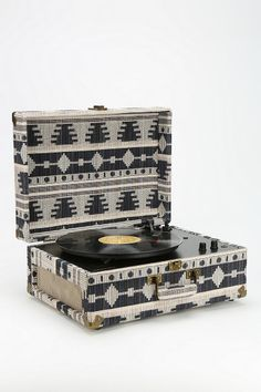Crosley AV Room Geo Fabric Record Player - Urban Outfitters