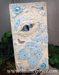 OOAK polímero arcilla Dragon ojo blanca y azul 3 Dimensional