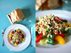 Insalata d'orzo  Verdure miste di stagione sono la corona di una fresca e leggera insalatina d'orzo.  Il sapore dei prodotti della nostra terra, i colori mediterranei di un contorno che seduce.