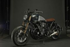 Yamaha XJR inspired by R9t