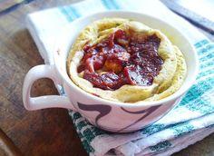 Fitness pizza slimák zo šálky alebo mugcake na slano. Recept v novej eknihe Fit koláčiky zo šálky.