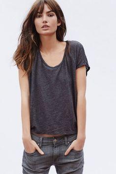 Lily Aldridge in a tee & jeans