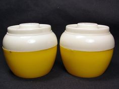 Bean Pot Yellow & White Round Vintage Salt and Pepper Shakers by Admiration USA #Admiration