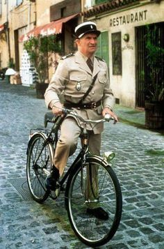 French actor/comedian Louis de Funes with a bicycle Eva Green, Jean Rochefort, Kim Kardashian Show, French Movies, Francoise Hardy, Hollywood Boulevard, Cinema Posters, Iconic Movies, Big Men