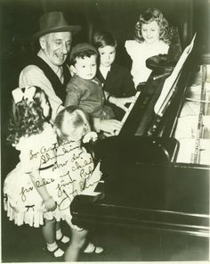 Jimmy Durante charms the kids