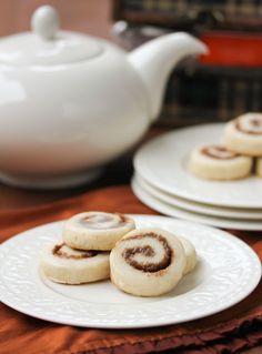 cinnamon-swirl-cookies (use this recipe- MUCH easier dough to work with than the other i pinned) Dec2012