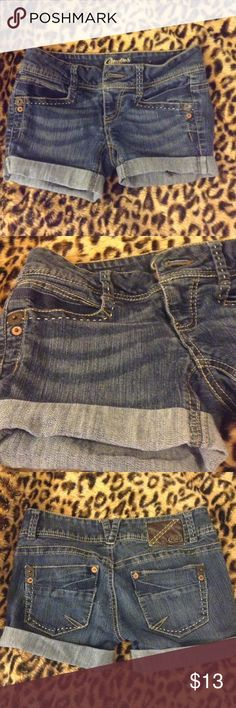 Short CANDIE's Denim Shorts Denim short-Shorts. In excellent used condition. Roll-up hem. High waist. ☘PLEASE READ CLOSET POLICIES PRIOR TO PURCHASE ☘ Candie's Shorts Jean Shorts