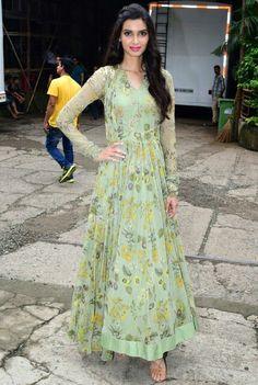 Diana penty in Ridhi Mehra Designer Anarkali Dresses, Designer Dresses, Indian Dresses, Indian Outfits, Long Dress Design, Stitching Dresses, Stylish Dresses For Girls, Girls Dresses, Indian Attire