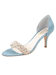 Good Morning Something Bleu Belles! Say Hello to Cappy in sky satin! These amazing shoes will add an elegant and special touch to your big day with its encrusted gems and luxurious feel. Look fabulous in these beauties! Have a great day! Xoxo! ‪#‎SomethingBleuShoes‬ ‪#‎SomethingBleu‬ ‪#‎BleuBelles‬ ‪#‎MadeinItaly‬ ‪#‎ShoeCappy‬ ‪#‎style‬ ‪#‎shoes‬ ‪#‎shoestyle‬ ‪#‎specialdayshoes‬ ‪#‎fashion