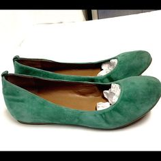 J. Crew flats Suede. Gently loved. No signs of wear. Size 9 J. Crew Shoes Flats & Loafers