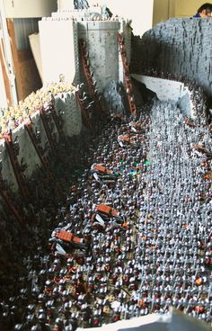 Battle of Helm's Deep Lego style #1 - Builder GOEL KIM has constructed the battle of Helm's Deep in his garage, and it's massive. It already has 1,700 minifigs and it's only 90% done. That's a whole lot of orcs and elves...