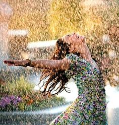 """~ Spring Pirouettes ~ """"Life isn't about waiting for the storm to pass.It's about learning to dance in the rain. Rainy Night, Rainy Days, Rain Photography, Creative Photography, Hight School Musical, High School, I Love Rain, Singing In The Rain, Shooting Photo"""