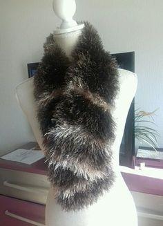À vendre sur #vintedfrance ! http://www.vinted.fr/accessoires/echarpes/23373574-echarpe-marron-et-beige