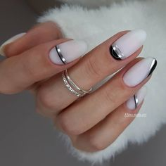 In look for some nail designs and ideas for your nails? Here's our set of must-try coffin acrylic nails for trendy women. Classy Nails, Fancy Nails, Trendy Nails, Cute Nails, Best Acrylic Nails, Acrylic Nail Designs, Nail Art Designs, Acrylic Gel, New Year's Nails