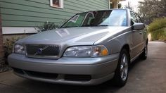 2000 Volvo S70 - low miles, 1-owner; You'd look great in a shiny used Volvo.