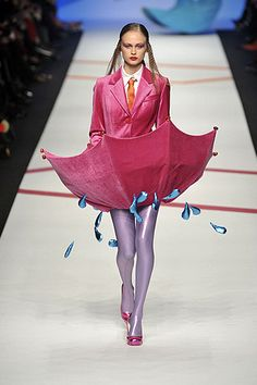 Umbrella dress. Agatha Ruiz De La Prada Fall 2009