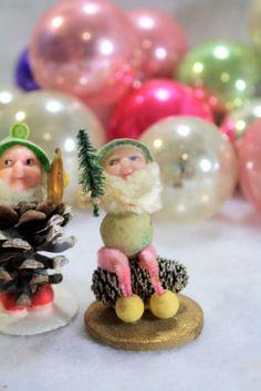 Vintage-Japan-3-Pine-Cone-ELVES-GNOMES-PIXIES-DWARF-Spun-Cotton-Chenille-A1