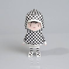 'Boogie Hood' is the brand name of paper toy which is made of paper.The Boogie Hood means that each toy has a hood.Even though all Paper toy-Boogie Hood has the same shapes, they can express many concepts byvarious patterns and graphics. All Paper, Paper Art, Paper Toys Making, Paper Crafts Origami, Diy Origami, Origami Templates, Designer Toys, Pattern Design, Diy And Crafts