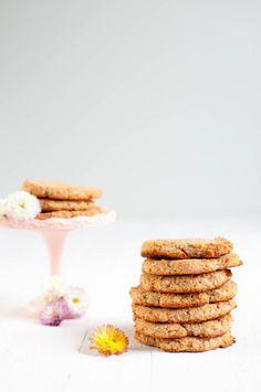 Grain-free Coconut Cookies - Only 3 Ingredients! Homemade Oreo Cookies, Gooey Cookies, Coconut Cookies, Coconut Flour, Cookies Vegan, Sugar Free Baking, Sugar Free Desserts, Healthy Dessert Recipes, Healthy Baking