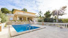 Geldanlage Mallorca : gute Lage, neuer Preis Nach EZB Entscheidung Investition in Immobilien Mallorca noch rentabler ! Gut ist Investition in Immobilien.Einzige Geldanlage, die man ständig genießen kann und beim Verkauf Rendite verspricht. Dafür bietet sich Mallorca mit seinem Klima, seiner Erreichbarkeit und seinem europäischen Flair an. Denn die guten, gewinnversprechenden Lagen sind begrenzt. Das Team von Casa Nova Properties, begleitet Sie professionell bei Ihrer Suche.